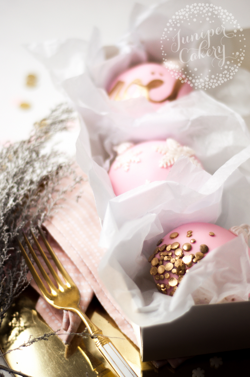 These pink and gold Christ,as bauble cupcakes are perfect for the party season!