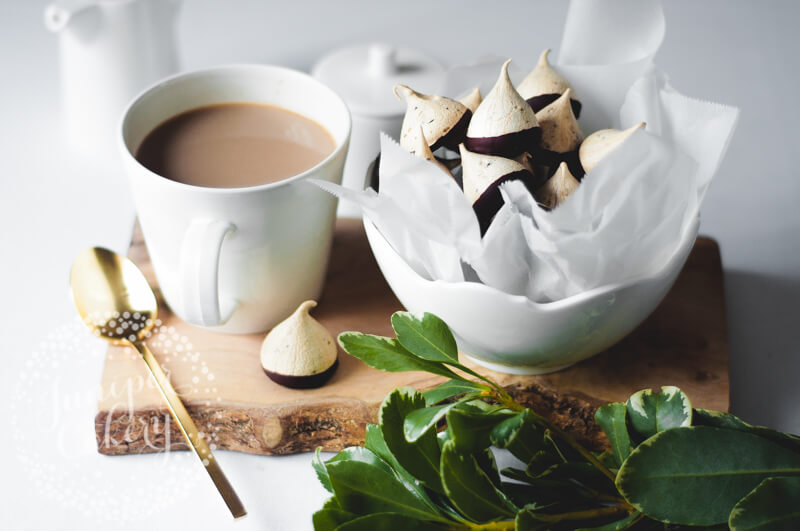 How to make coffee meringues with chocolate