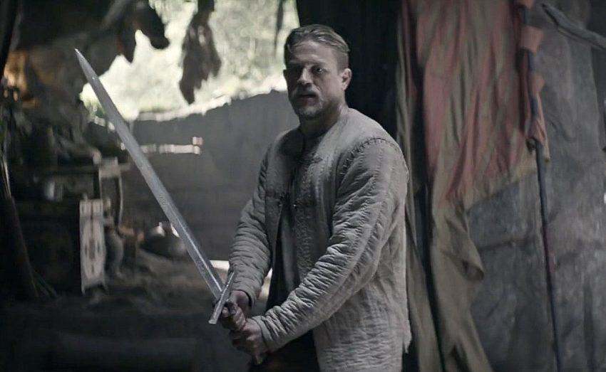 charlie-hunnam-king-arthur-legend-of-the-sword-movie-wallpap_uamd