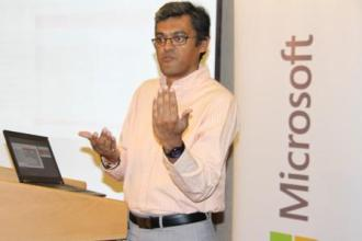 Pratik Roy Explains the advantages of Microsoft Office 365 at the office 365 for non-profits launch in Kenya juuchini