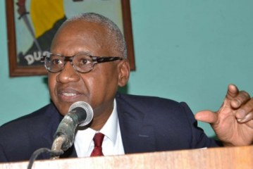 Dialogue politique : Le ministre de la justice demande le gèle des activités de la CENI
