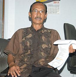 Ingin Wadul, Kantor DPRD Melompong