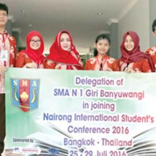 Lima-pelajar-SMAN-1-Giri-(SMAGI)-bersiap-berangkat-ke-Thailand-untuk-mengikuti-konferensi-pelajar-internasional