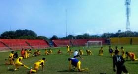 Sesi Latihan jelang Piala Jenderal Sudirman di Stadium GOR H Agus Salim, Padang, Kamis (5/11). Foto : Ikhwan
