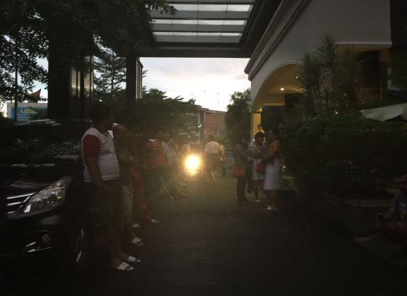 Situasi gempa di salah satu hotel, Padang. Foto : Istimewa