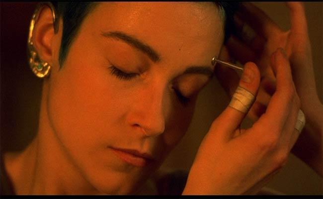 Stefania Rocca, Nirvana, di Gabriele Salvatores, 1997