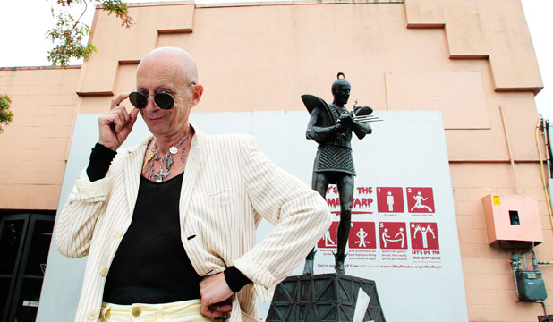 Richard O'Brien e la sua statua