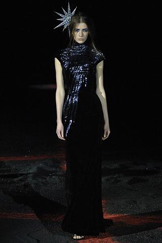 Alexander McQueen, Fall 2007, collezione ispirata alla luna2