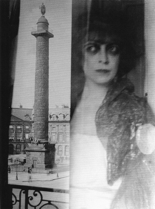 Luisa Casati by Man Ray 1922