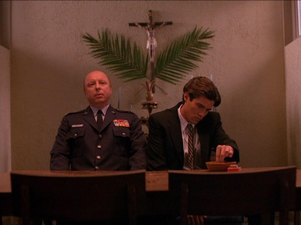 Bobby e il Maggiore Briggs, tpep3_071, via intwinpeaks.com