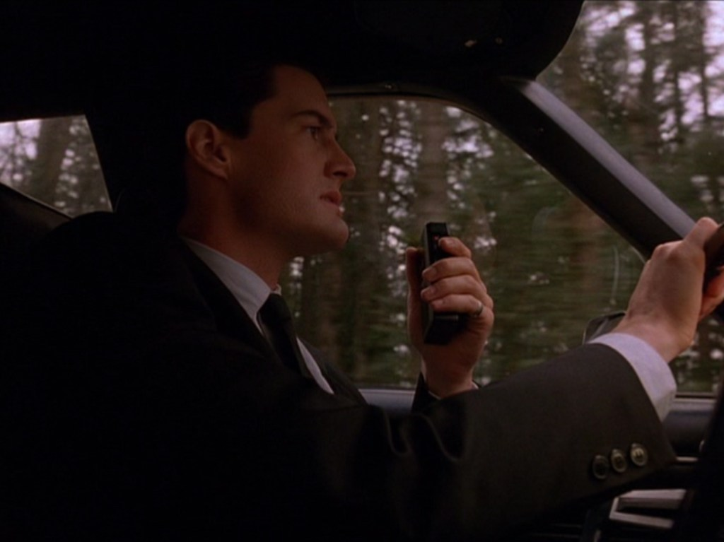 pilot_122, via in twinpeaks.com