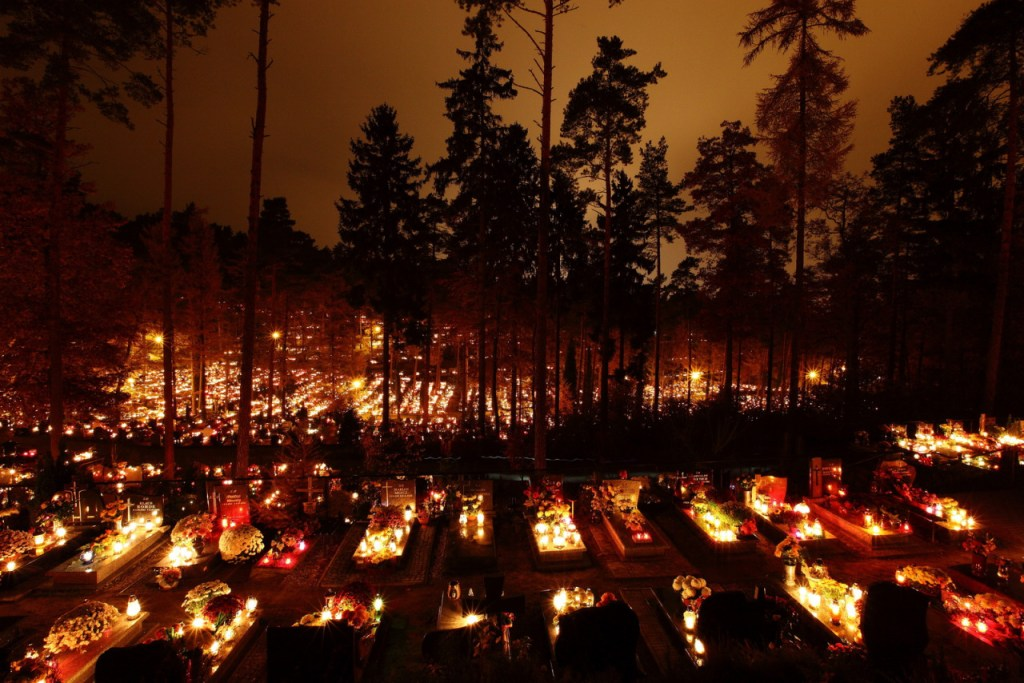 Cemetery in Rumia, Poland during the All Saints' and All Souls' days [in Polish Wszystkich Świętych and Zaduszki]. Photo taken by fotopstrik