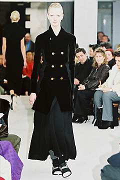Comme des Garçons Fall 2002 Ready-to-Wear 24,  via vogue.com
