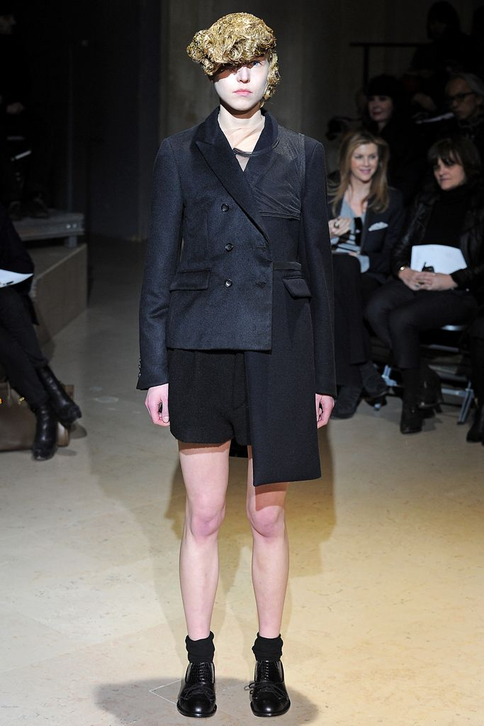 Comme des Garçons Fall 2011 Ready-to-Wear - Collection, via vogue.com