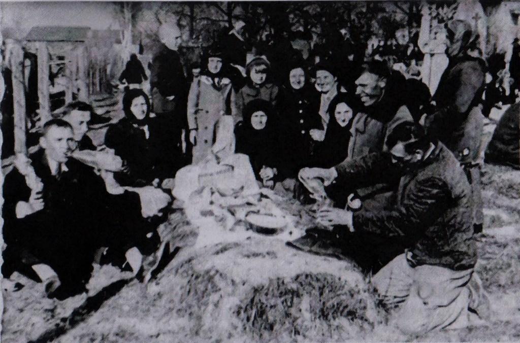 radaunice, pasqua dei morti, voivodato di Rzeszow, periodo fra le due guerre mondiali, via dziady di piotr grochowski, edizioni paralele-2
