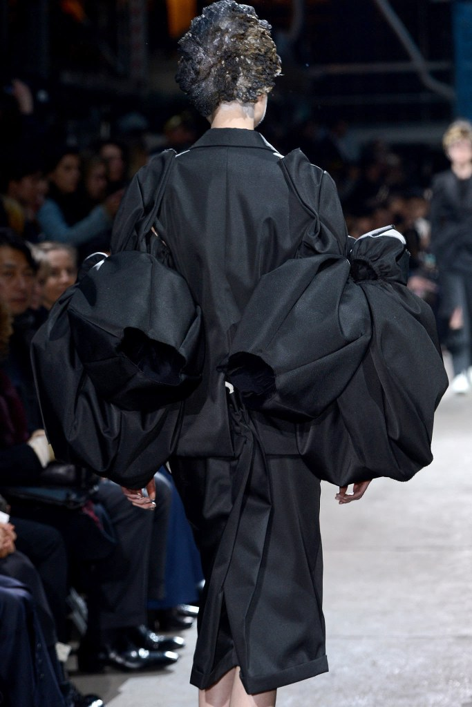 Comme des Garçons Fall 2013 Ready-to-Wear, via vogue.com 2