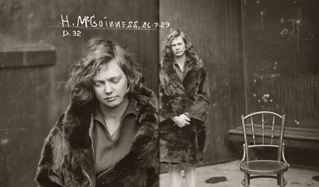 vintage-mugshots-old-criminals-city-of-shadows-exhibition-woman-fur-coat
