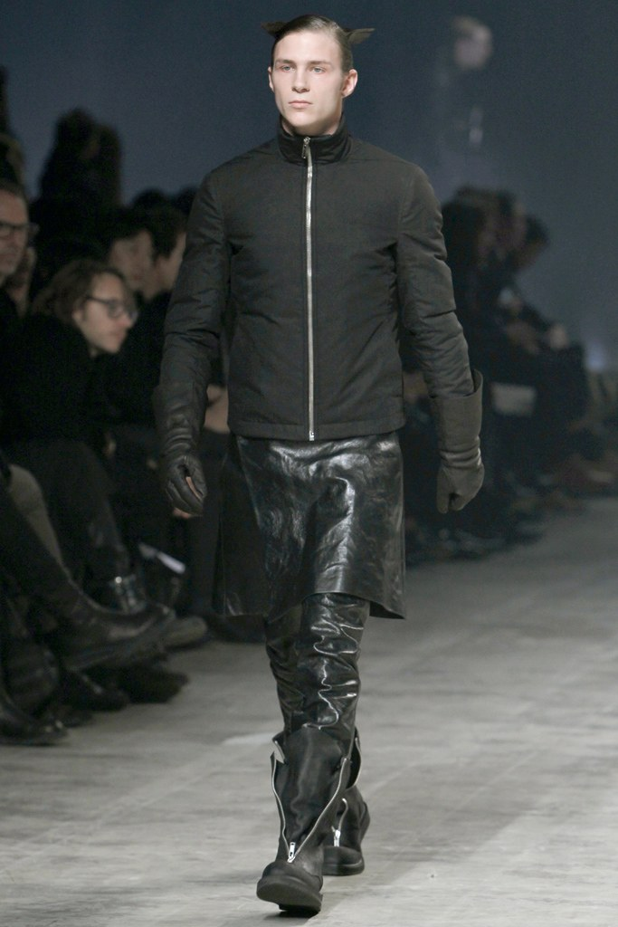 rick-owens-fall-2011-man-10