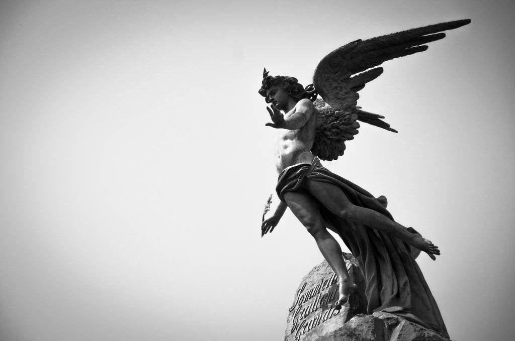 uccio d'agostino, lucifero piazza statuto-2