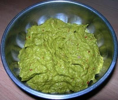 Curry Leaves Chutney (Kariveppilai Thuvaiyal) - Kamala's Corner