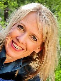 Lisa_Jacobson_Small_Bio_Pic