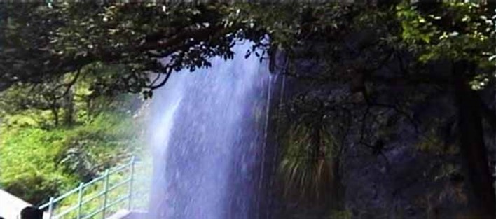 Honnamma Falls, Kemmanagundi. Source letsseeindia.com