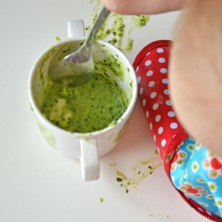 kale kiwi and banana smoothie