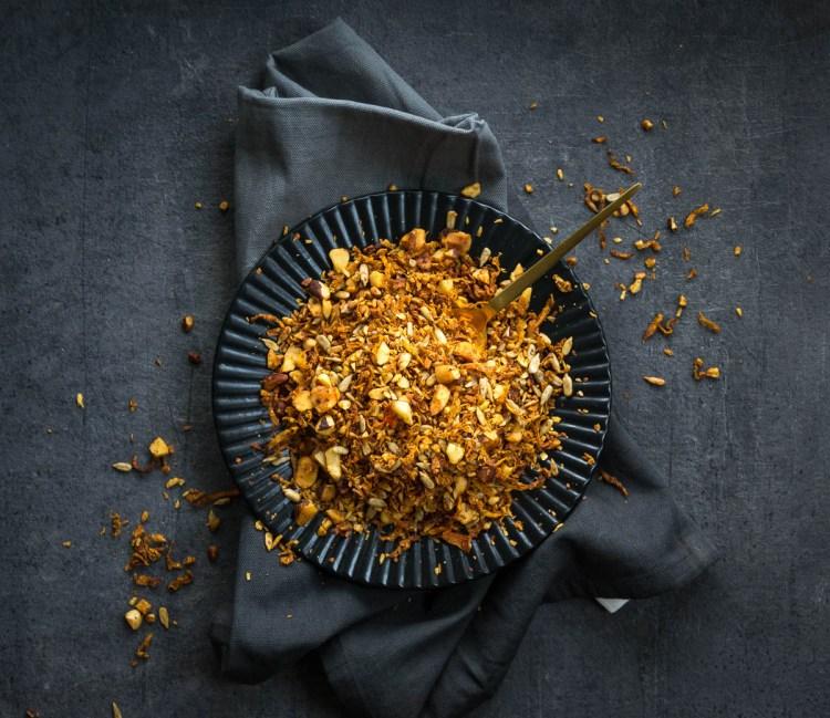 Hjemmelaget granola med gulrot