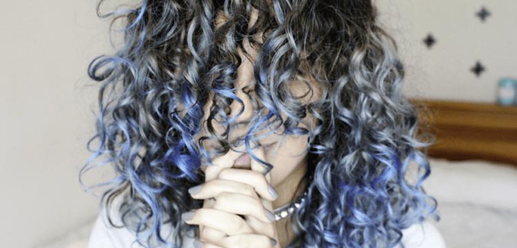 Tonalizando o cabelo do loiro ao azul