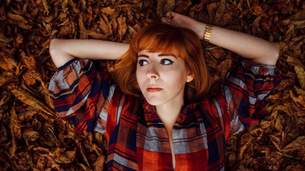 autumn kat terek riennahera leaves elves rust gold redhead photography london potter's clay pantone rust