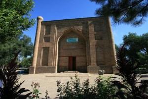 Mausoleum_of_Babadzha_Hatun