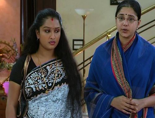 Paarijatham on 600 - Mon-Fri at 7.30 P.M in Asianet