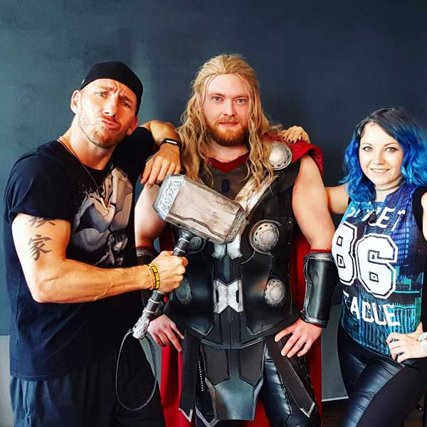 Thor-Cosplay-Calvin-Hollywood-Shooting-Gruppenbild