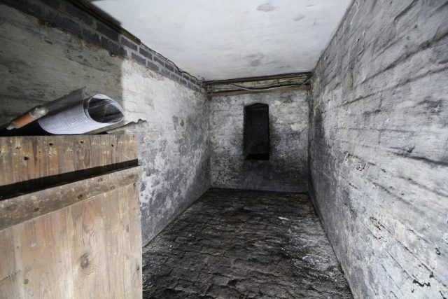 coal storage 房间 in victorian cellar