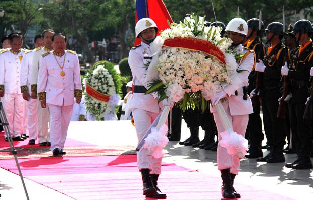 Sihanouk service2