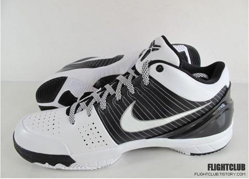 Nike Zoom Kobe 4 (IV) – White / Black