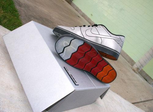 DeLorean Nike Dunk 6.0: passado de volta ao presente