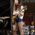Alana Haim singing