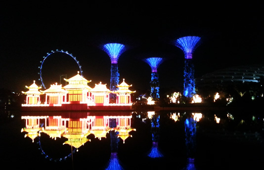 mid autumn festival is one of the best time to visit gardens by the bay at night this mid autumn festival the garden lights up with a dazzling display of