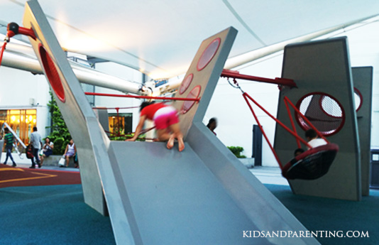 tiong-bahru-shopping-playground--slides