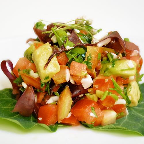 Ensalada de coco fresco y tomate