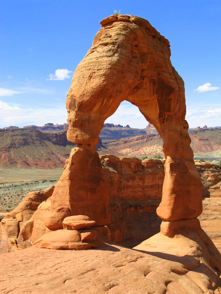 Photo Friday - Kiku Corner - Traveling Utah with a Campervan in Arches National Park