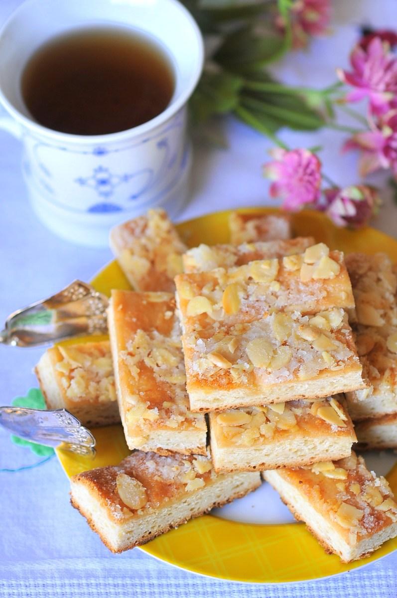 Oma's Bienenstich - German Bee Sting Cake