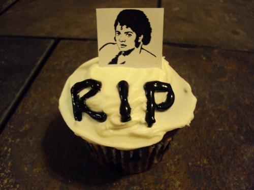 michael jackson thriller cupcake