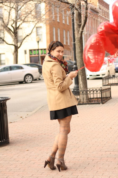 kimberlyloc dyed tights red heart balloons