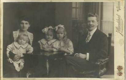 Siostry Zaruskie z rodzicami Ryszardem i Eugenią Duma de Vajda Hunyad
