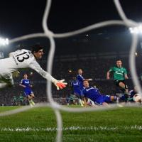 Salah left out as Chelsea draw at home against Schalke