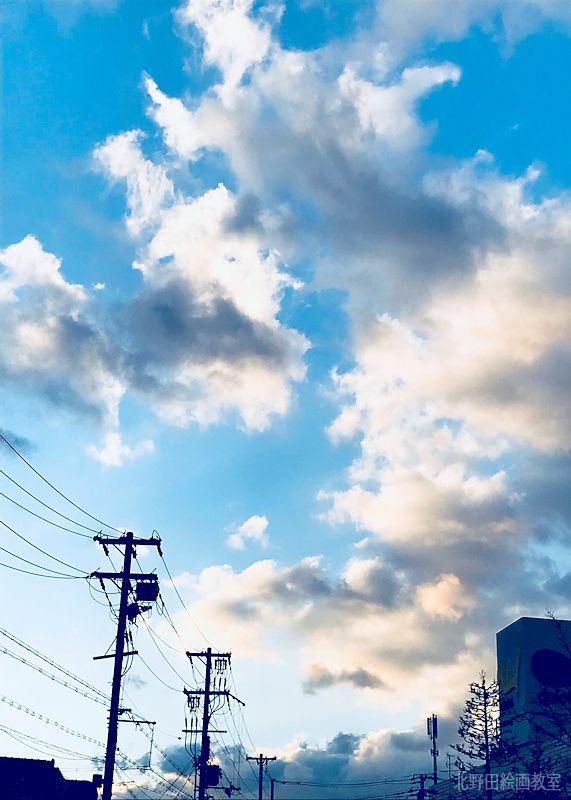 アトリエ前の空