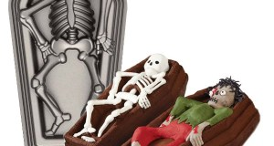 Skeleton-Casket-3D-Cake-Pan