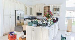 clutter  in  kitchen